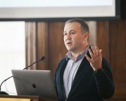 Boğaziçi Üniversitesi'nde Fizik Bölümü'ne yeni hoca:  Prof. Dr. Utkan Demirci