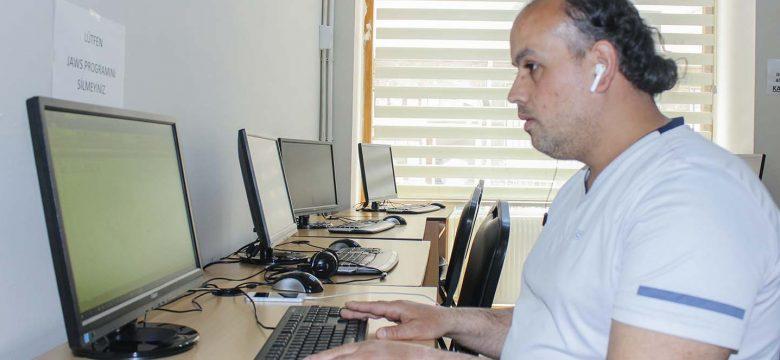 İSMEK Görme Engelliler için Bilgisayar Kullanımı kursu